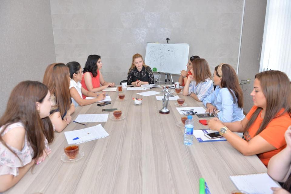 """Sentyabr ayının 7-də """"Uşaq və Boşanma"""" mövzusunda Workshop keçirildi."""
