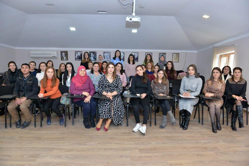 İnklüziv təhsil üzrə baş pedaqoq Aysel Məsimovanın rəhbərliyi ilə Azadlıq filialında ödənişsiz seminar keçirildi.