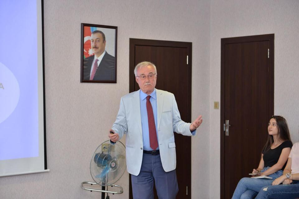 """""""Loqos"""" da Prof.Dr. İshak Özkan ilə görüş keçirilib."""