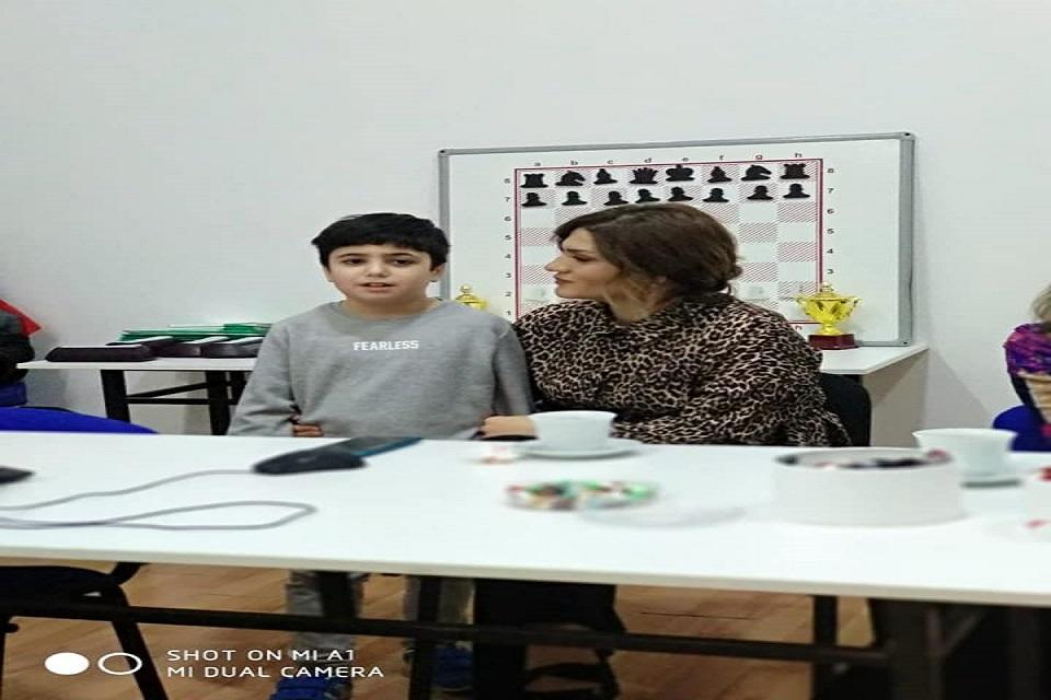 """Ağ At Şahmat klubunun təşkilatçılığı ilə Mərkəzdə """"Diqqət əksikliyi və hiperaktivlik"""" mövzusunda seminar keçirildi."""