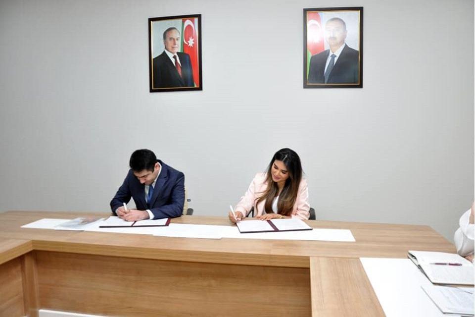 """YAP Gənclər Birliyi ilə """"Loqos"""" arasında memorandum imzalandı!"""