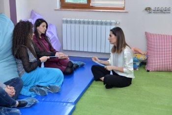"""Mərkəzin Gənclik filialında """"Duyu bütünləmədə fırçalama terapiyası"""" Workshopu keçirildi."""